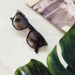 🆕Elsa Matte Gray Tortoise Sunnies